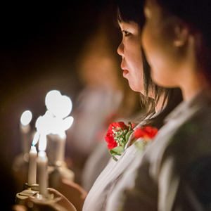 New Nurses Take The Pledge In Traditional Candlelighting Ceremony